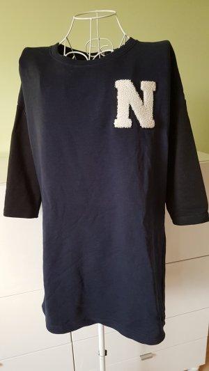 Pullover in Dunkelblau mit Schwarzen Ärmeln Gr. 38 (eher 40)