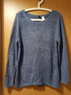 Pullover in hellblau