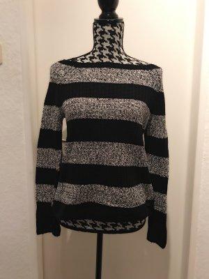 Pullover in schwarz und weiss