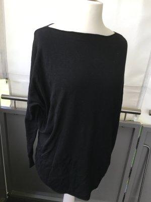 Pullover in schwarz weit geschnitten