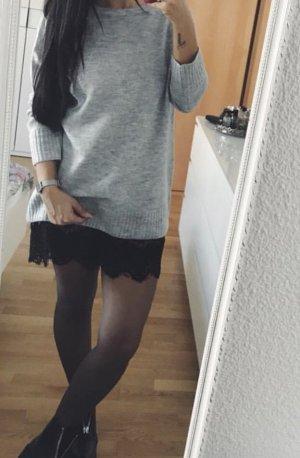 Pullover Kleid mit Spitze