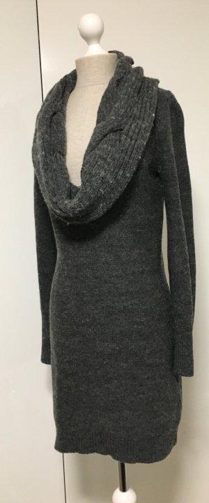 Pullover Kleid mit XXL Kragen