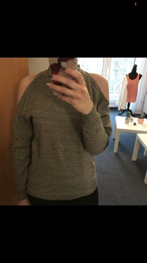 Pullover mit cut outs an den Schultern