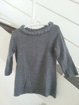 Pullover mit geflochtenem Ausschnitt