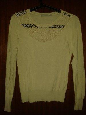 Pullover mit gehäkelter Spitze vorn und den Ellbogen