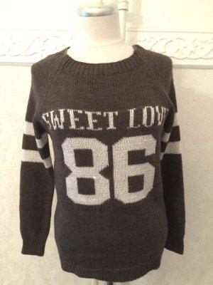 Pullover mit glänzendem Inschrift 86