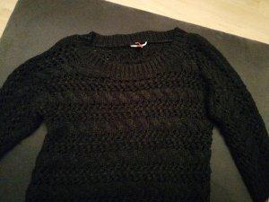 Pullover mit großem Strickmuster