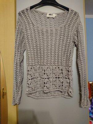 Pullover mit großen Maschen