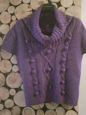 Pullover mit kleine Pompons