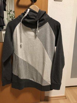 Pullover mit Kragen