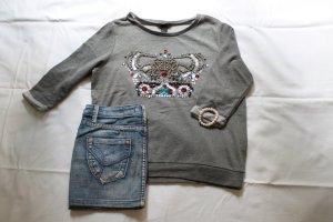 Pullover mit Kronenmotiv