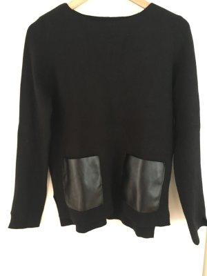 Pullover mit Kunstledertaschen