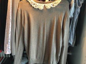 Pullover mit niedlichem Bubi-Kragen