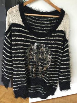 Pullover mit paillettenverziertem Totenkopf Uhlahl S