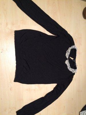 Pullover mit Perlen besticktem Kragen