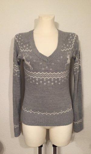 Pullover mit Rentieren