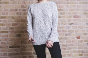 Pullover mit Rückenauschnitt / Miss Selfridge