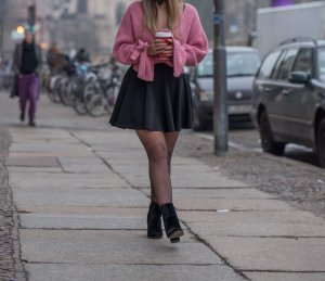 Mango V-Neck Sweater pink