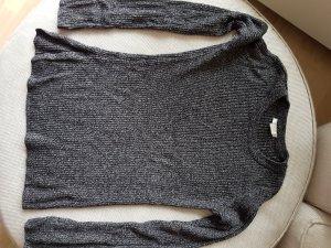 Pullover mit Schlitzärmeln