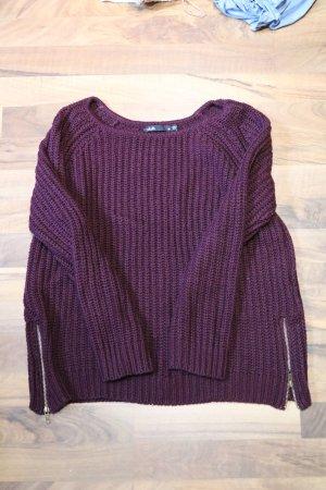 Pullover mit seitlichen Reißverschlüssen