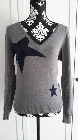 Pullover mit Sternchen