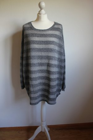 Pullover mit Streifemuster in grau oversied Urban Outfitters