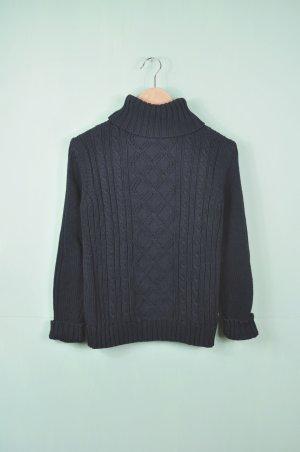 Pullover mit Strickmuster und Rollkragen