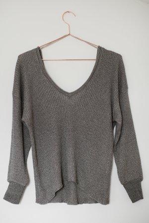 Pullover mit tiefem Brust- und Rückenausschnitt