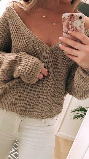 Pullover mit V-Ausschnitt von NAKD