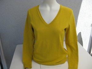 Pullover mit V-Ausschnitt von s´Oliver in gelb/curry