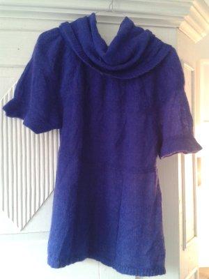 Pullover mit weitem Rollkragen in Königsblau