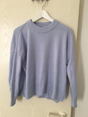 Pullover mit Ziernähten außen