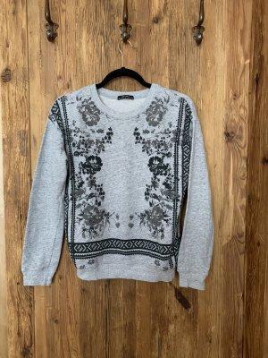 Pullover Muster grau bershka