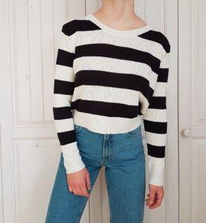 Pullover Pulli Streifen schwarz weiß sweater cardigan hoodie crop top croptop croppulli