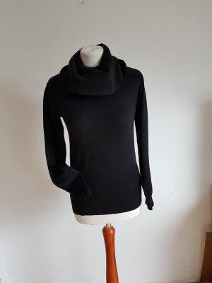 Pullover schwarz mit großem Rollkragen