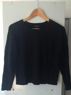 Pullover schwarz mit Muster