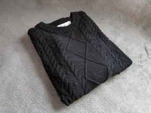 Pullover Schwarz Strickmuster Gr. XS