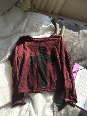 Pullover u weitem Ausschnitt locker dunkelrot Auberginen lila rot mit Kreuz in schwarz oberteil Shirt langarm