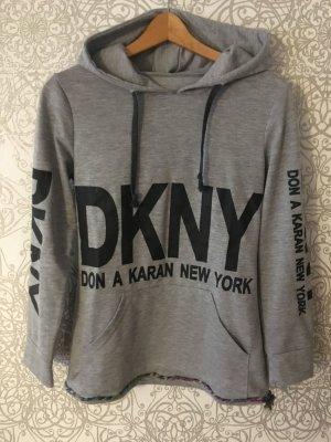 Pullover von DKNY #kapuzenpullover #grau