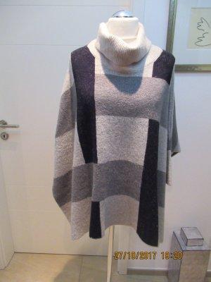 Pullover von Zara im Poncho stil in Grautoenen passend fuer alle Groessen in M