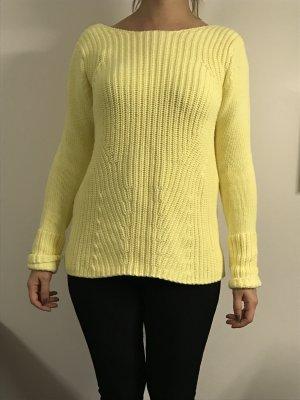 Pullover von Zara mit ausgeschnittenem Rücken