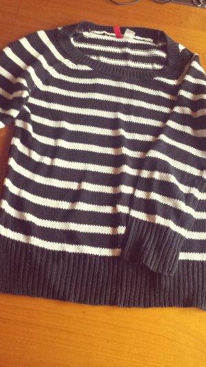 Pullover, weiß/schwarz gestreift