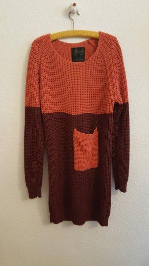 Pulloverkleid bordeuaxrot, Streetstyle