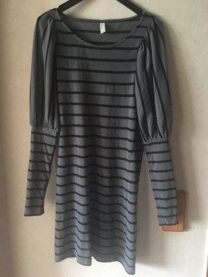 Pulloverkleid in grau-schwarz