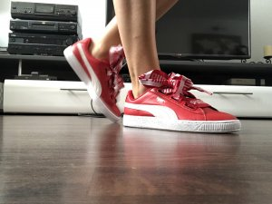 Puma Basket Heart Red Neu