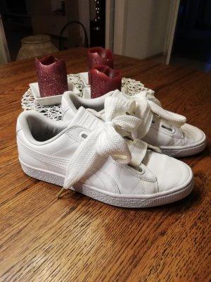 PUMA Basket Sneaker Gr. 40 weiß