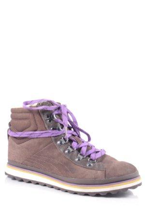 Puma Boots dunkelbraun-lila sportlicher Stil