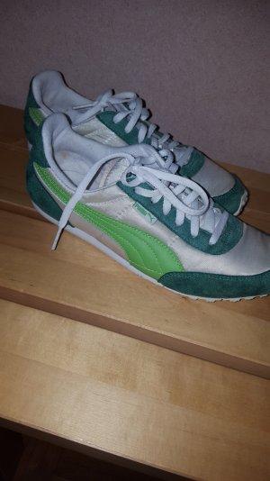 Puma leichte Schuhe.
