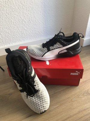 Puma Pulse XT Core Wns Sneaker Gym schwarz weiß Größe 38