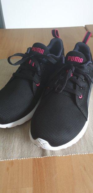 Puma Schuh UK7 (40,5) schwarz